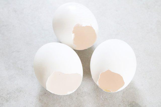 siapkan cangkang telur