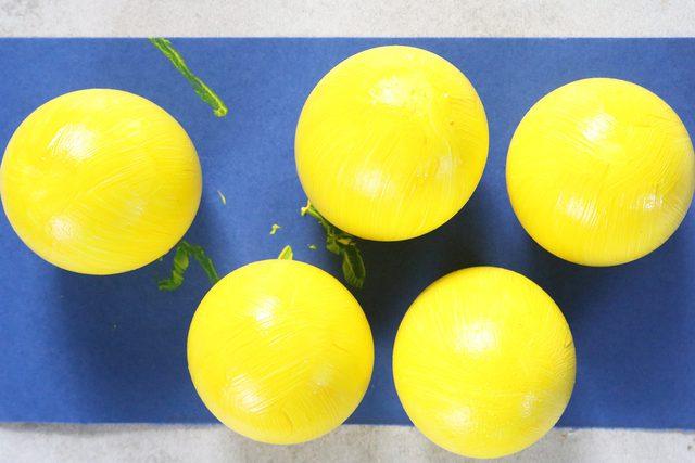 cat kuning cangkang telurnya