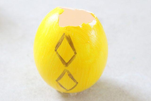 gambar pola berlian pada cangkang telur