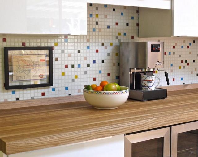 Ubin mozaik di dapur
