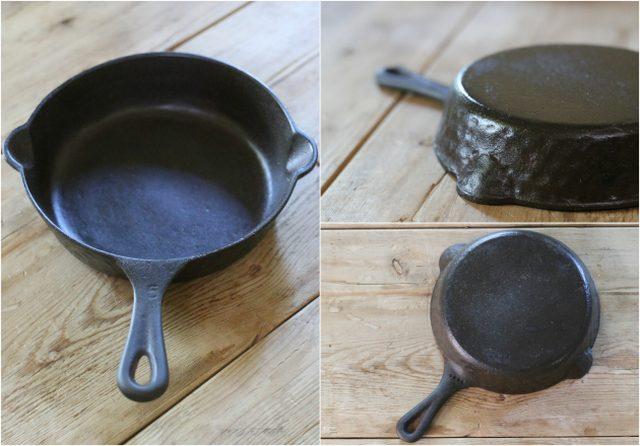 Masukkan wajan besi di rak oven atas dalam posisi terbalik