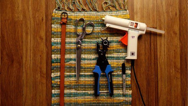 Alat dan bahan tas tangan dari taplak meja