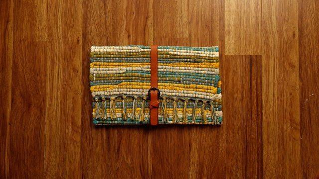 Setelah lem mengering, tas tangan Anda siap untuk digunakan