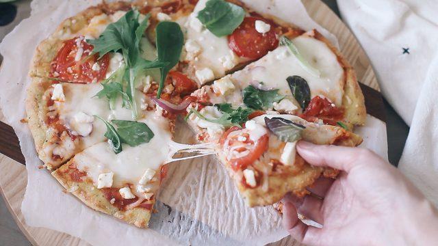 pizza rendah karbohidrat siap diikmati!