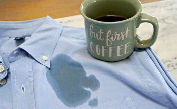 menghilangkan noda tumpahan kopi dari pakaian