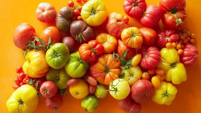 tomat makanan yang baik untuk kesehatan kulit