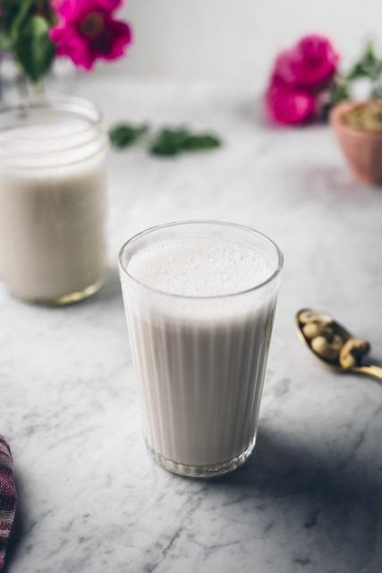 tuang susu mete dan dinginkan