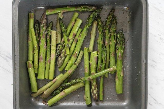 bersihkan asparagus
