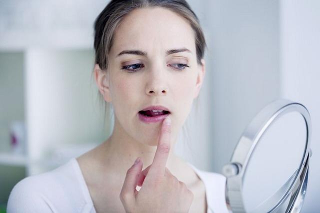 rekomendasi produk untuk bibir kering dan pecah-pecah
