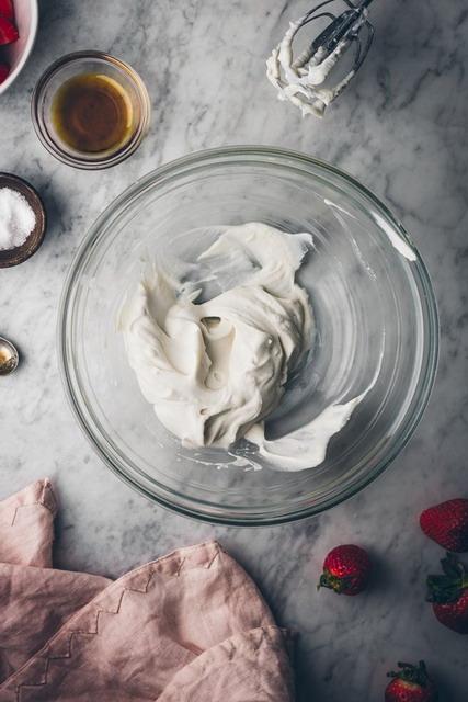 masukan semua bahan untuk resep whipped cream homemade