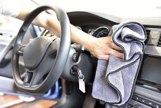 minyak zaitun dapat digunakan untuk membersihkan interior mobil